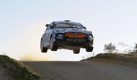 Curiosidades en competición. Hyundai enseña una imagen de su Veloster de rallyes