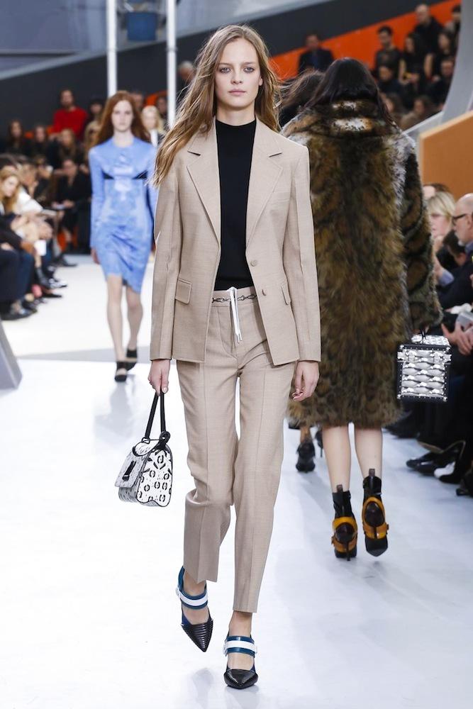 Foto de Louis Vuitton otoño-invierno 2015-2106 (32/47)