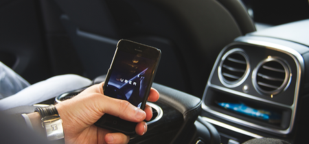 Conductores de Uber han estado manipulando la aplicación para alterar las tarifas en Colombia