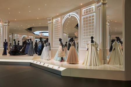 Dior V A Exhibition Scenography C Adrien Dirand 8