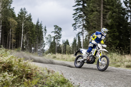 Husqvarna My17 701 Enduro Action 2