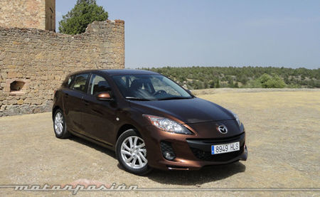 Mazda3 1.6 CRTD 115 cv color Autumn Bronze Mica