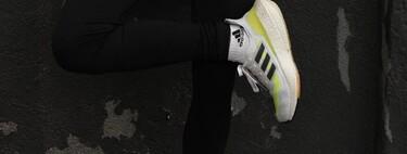 Nueve zapatillas de deporte para mujer de Nike, Adidas o Asics que nos ayudan a mantenernos en forma este verano