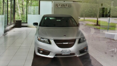 Todavía puedes comprar un Saab nuevo: alguien olvidó este 9-5 en un concesionario de EE.UU.