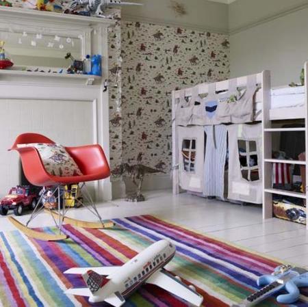 Crea un castillo debajo de la cama de los niños