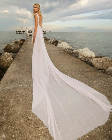 ¿Chiara Ferragni vestida de novia? No, tan solo ha acudido a la alfombra roja del Festival de Venecia 2017