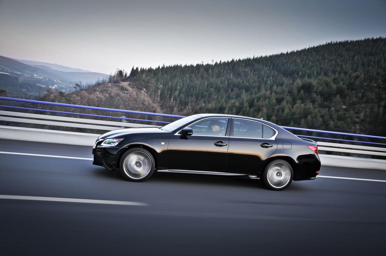 Foto de Lexus GS 450h F Sport (2012) (21/26)
