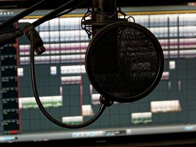 Tu estudio de grabación en casa: qué te hace falta para montarlo según tus necesidades