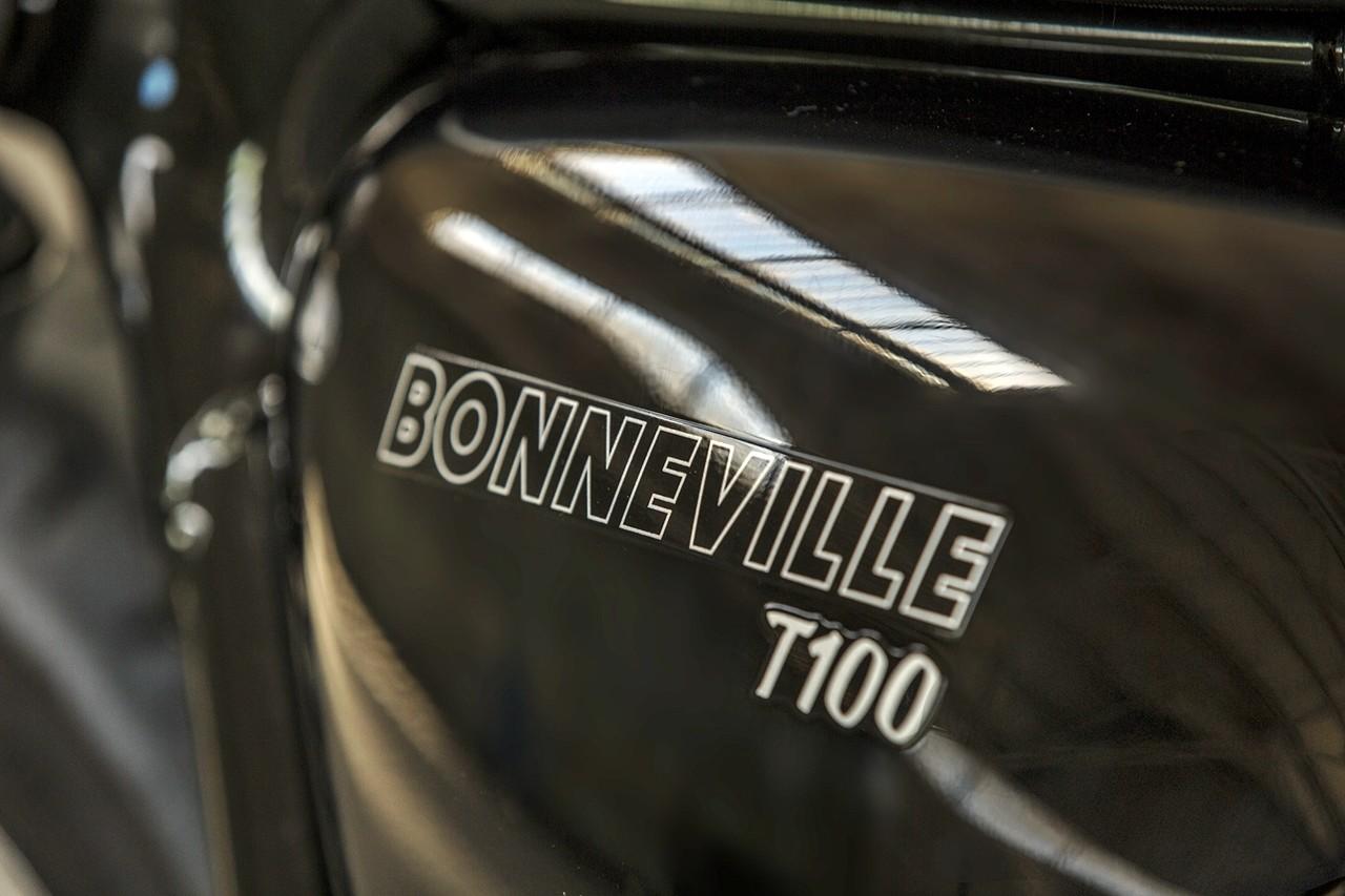 Foto de Triumph Bonneville T100 y T100 Black y Triumph Street Cup (33/50)