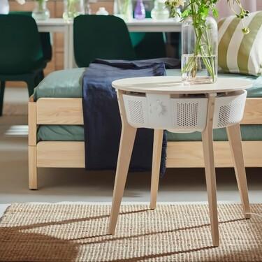 El primer purificador de aire conectado de IKEA pasará desapercibido en el salón: tiene forma de mesita auxiliar