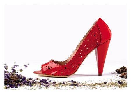 Zapato Mariposa de Paco Gil en el color de moda: el rojo
