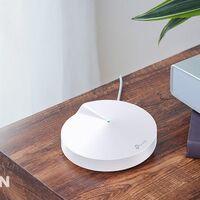 Precio mínimo en Amazon para el kit de red en malla TP-Link Deco M5 con 3 nodos. Solucionar tus problemas con la WiFi ahora sólo te cuesta 159 euros