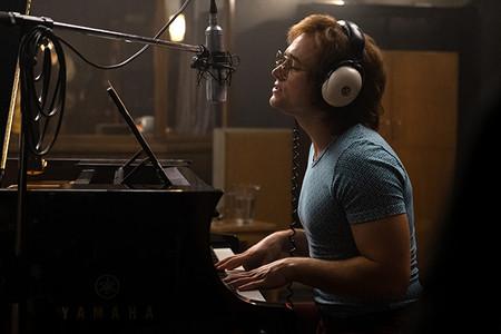 Rocketman No Es Bohemian Rhapsody Ni Quiere Serlo El Musical De Elton John Con Taron Egerton Que Nos Ha Conquistado 7