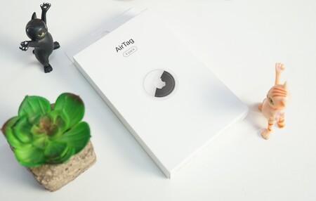 Empiezan los experimentos con los AirTag: estos proyectos logran hacerlos más delgados o modificar el mensaje de su NFC