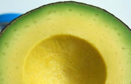 Una nutritiva y refrescante forma de comer aguacate en este verano