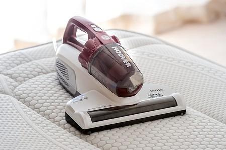 El aspirador de mano Hoover Ultra Vortex, especial para limpieza de tapicería y colchones, está rebajado a 79,20 euros en Amazon