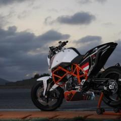 Foto 10 de 31 de la galería ktm-690-duke-track-limitada-a-200-unidades-definitivamente-quiero-una en Motorpasion Moto