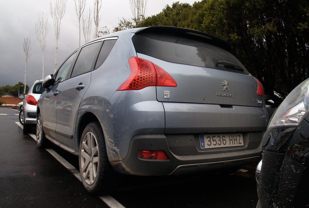 Foto de Peugeot 3008 HYbrid4 (presentación) (16/20)