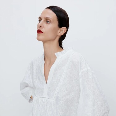 Los nuevos coleteros de Zara con forma cuadrada (o de servilleta) reunen todas las tendencias de esta temporada