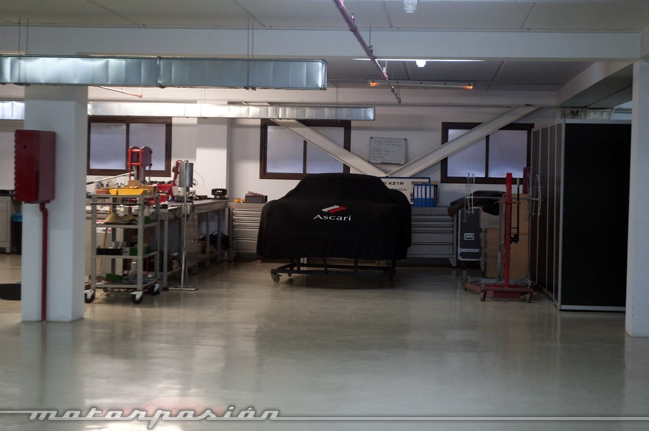 Foto de El garaje de ensueño del Ascari Race Resort (33/36)