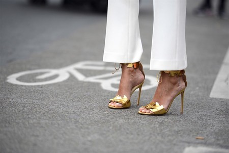 Nueve sandalias doradas que ponerte siempre y acertar, sin importar cuál sea tu estilo