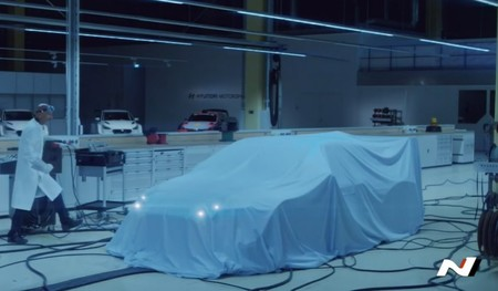 Hyundai Motorsport muestra más detalles de su primer auto de competencia 100% eléctrico (video)