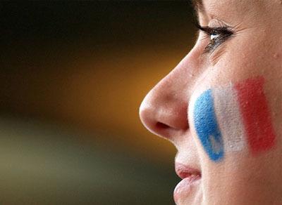 Francia limitará los sueldos de las empresas con ayudas públicas
