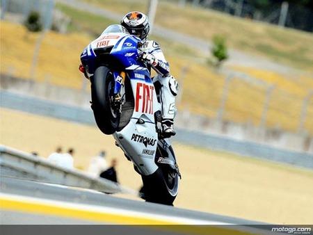 Jorge Lorenzo vuelve a ganar y lidera el mundial
