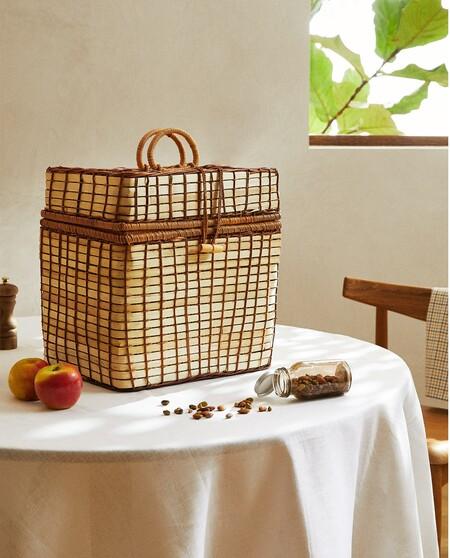 Fichamos la cesta de picnic de Zara Home y otras siete alternativas de Amazon con las que disfrutar de un plan al aire libre