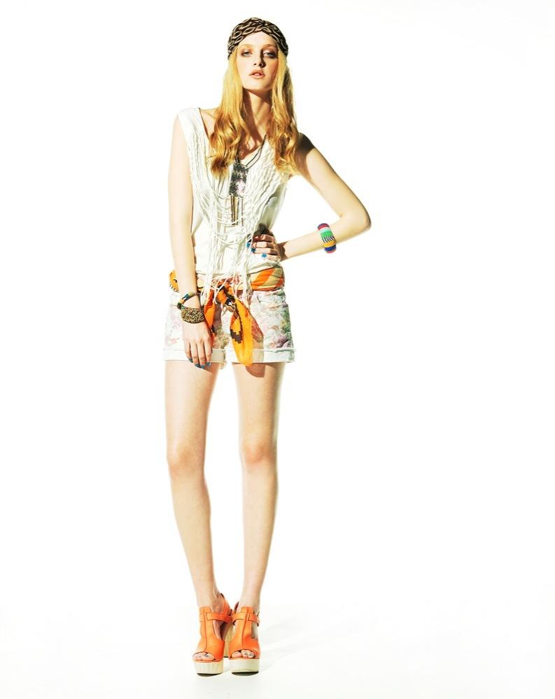 Foto de Bershka, lookbook de abril Primavera 2011: ¡más color en las tiendas! (18/22)