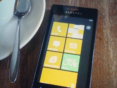 Alcatel también apuesta por Windows Phone