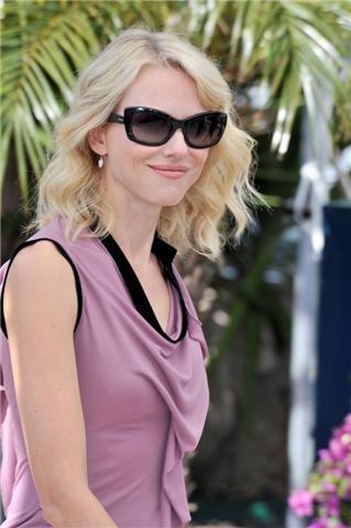Las celebrities también lucen gafas de sol de Prada