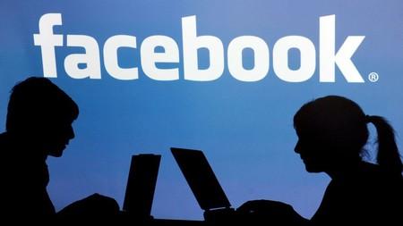 Facebook prueba las llamadas de voz grupales en su chat web y la eliminación de anuncios insensibles