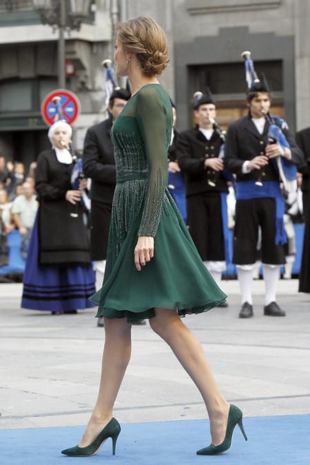 El look de Letizia en los premios Príncipe de Asturias, ¿nos apuntamos su recogido?