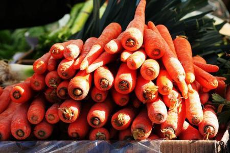 Consigue un buen bronceado comiendo zanahorias
