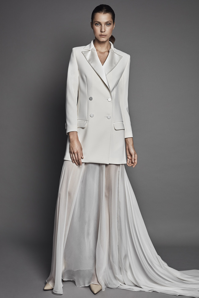 Si quieres ser una novia diferente apunta estas 11 marcas de vestidos de novia con los que sorprender a los invitados