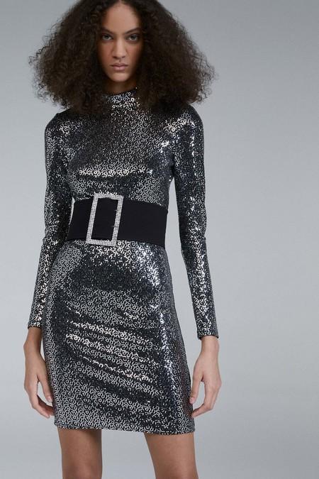 Sfera tiene los vestidos de fiesta que vas a querer lucir esta Navidad