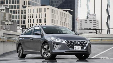 Hyundai Ioniq 2021, a prueba: un híbrido que gusta por consumo y convence por tecnología