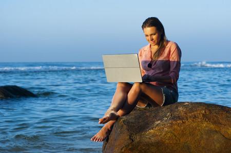5 claves para desengancharse del trabajo antes de las vacaciones (y descansar de verdad)