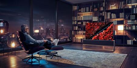 El LG OLED R, el televisor con pantalla enrollable, ya se puede comprar España y la fabricación durará cuatro meses