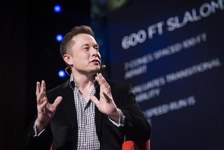 Elon Musk asegura que Tesla dejará de quemar dinero, y que será rentable a finales de año