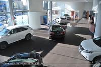 Lexus monta en Sevilla su concesionario más grande de Europa en plena crisis