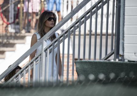 Melania Trump nos enseña a combinar el color blanco (nuclear) en pleno verano