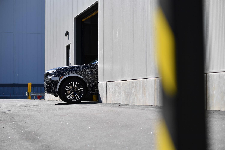 Foto de BMW X7, primeras unidades preserie (32/33)