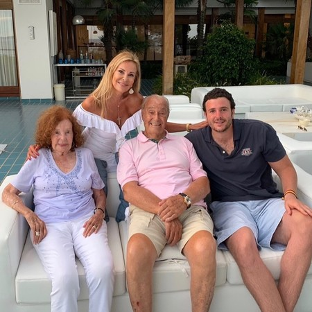 Ana Obregón recuerda a su hijo Álex Lequio compartiendo esta preciosa foto familiar en su Instagram