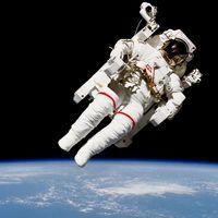 Rusia permitirá que un turista espacial se dé un paseo espacial y se saque una foto como esta en 2023