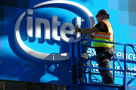 Intel ya enfrenta tres demandas colectivas por los bugs Meltdown y Spectre en sus procesadores