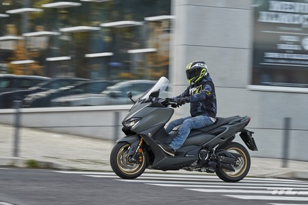 Usar la moto durante el estado de alarma por coronavirus: restricciones, multas, cobertura del seguro y mucho más