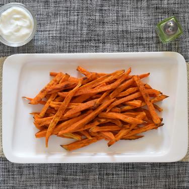 Bastones de boniato al horno: receta saludable alternativa a las patatas fritas (y cómo conseguir que queden crujientes)