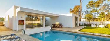 Bañarse en la piscina los 365 días del año es posible, si elegimos para ella la cubierta adecuada